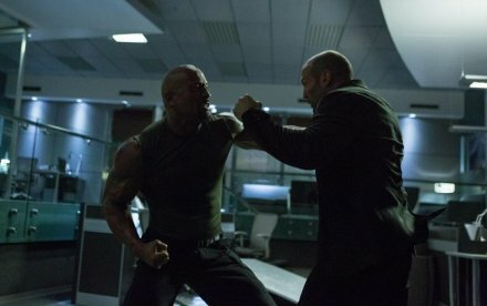 Smugkig på episk fight mellem Statham og The Rock i Furious 7